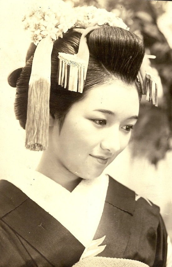 geisha+hairstyle+portrait+2